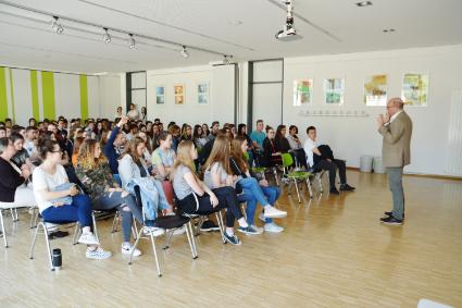 Alexander Throm MdB zum EU-Projekttag am Jagsttal-Gymnasium Möckmühl